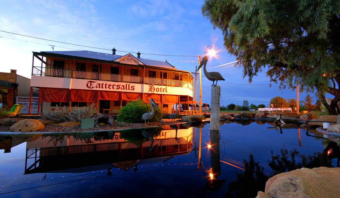 Tatts hotel in winton at dusk