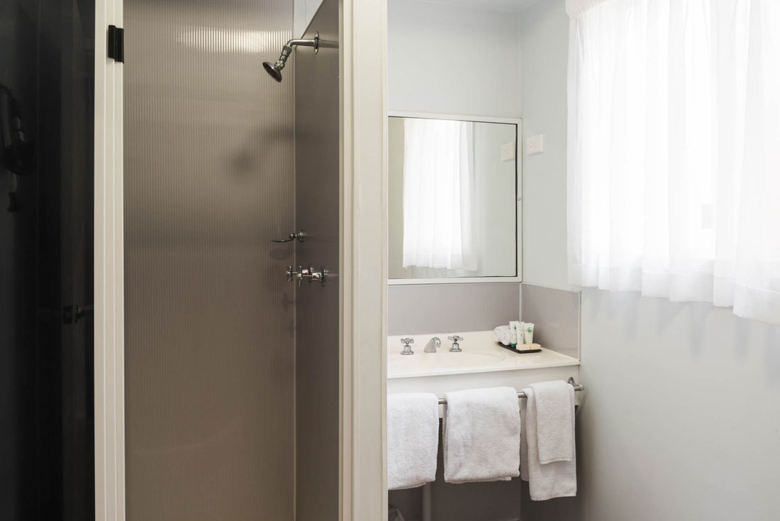 bathroom in outback cabin